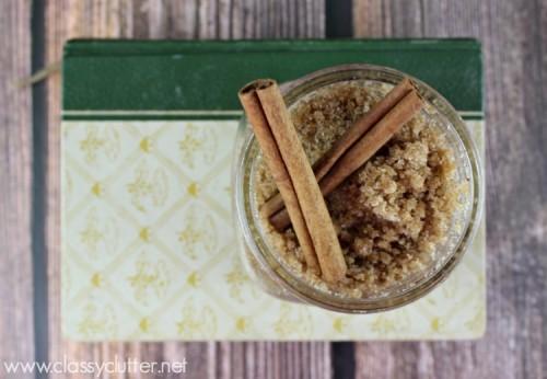 apple cinnamon sugar scrub (via classyclutter)