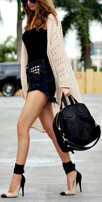 Picture Of denim shorts outfits for summer  12