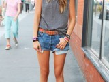 denim-shorts-outfits-for-summer-15