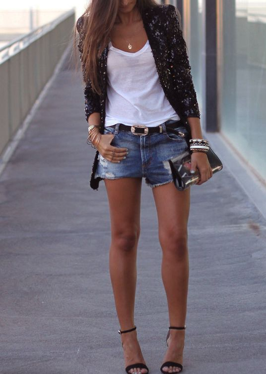 Picture Of denim shorts outfits for summer  7