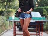 denim-shorts-outfits-for-summer-9