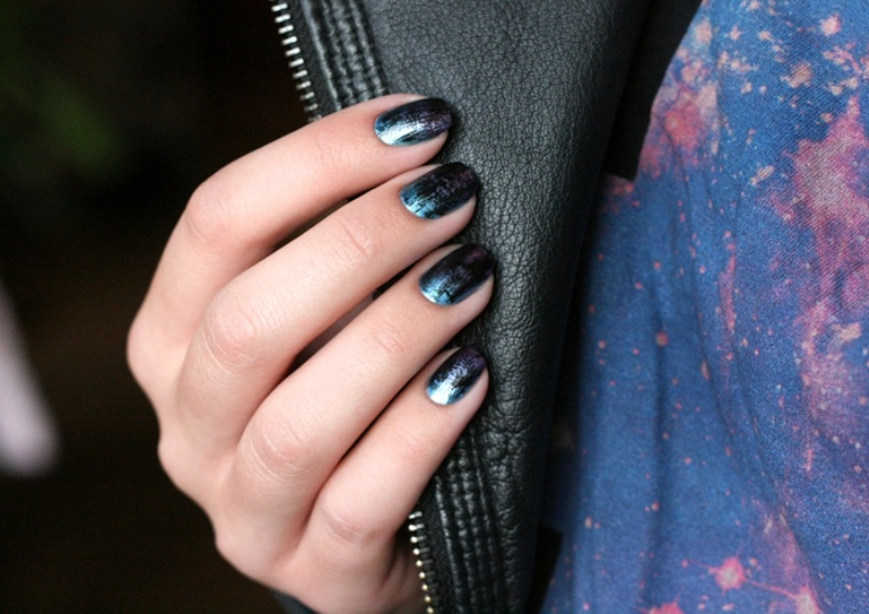 Picture Of distressed and grunge inspired diy nail art  4