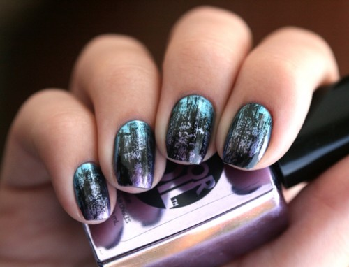 Distressed And Grunge Inspired DIY Nail Art