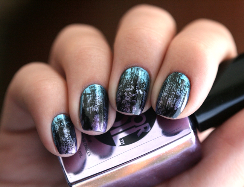 Picture Of distressed and grunge inspired diy nail art  6