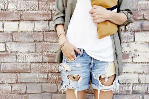 15 Distressed Denim Looks For This Summer