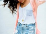 distressed-denim-looks-for-this-summer-12