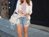 distressed-denim-looks-for-this-summer-15