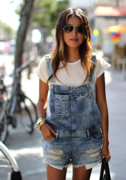Distressed Denim Looks For This Summer