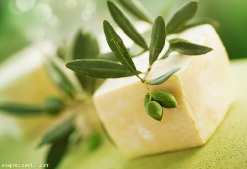 17 DIY All-Natural Soaps For Moisturizing Your Skin