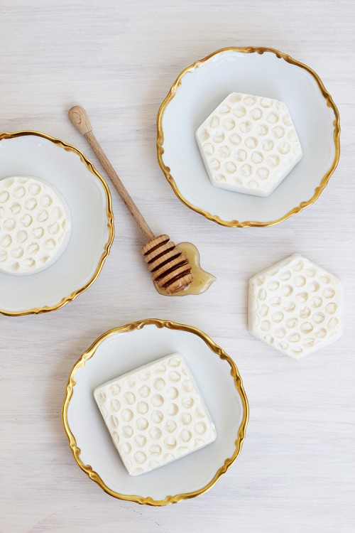 soothing honey soap (via styleoholic)