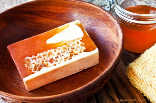 honey soap (via soaprecipes101)