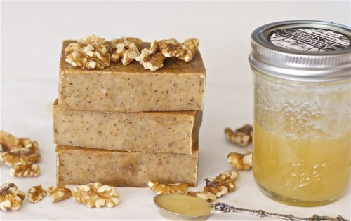 honey walnut soap (via offbeatandinspired)