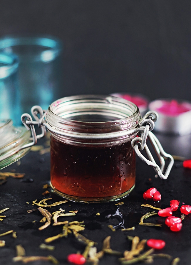 Picture Of diy anti aging toner with pomegranate juice  1