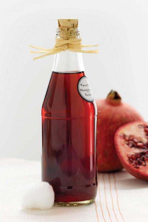 DIY Anti Aging Toner With Pomegranate Juice
