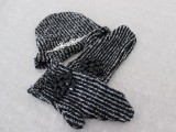 diy-beanie-and-mittens-without-knitting-1