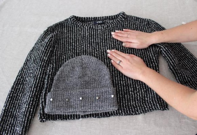 Picture Of diy beanie and mittens without knitting  2