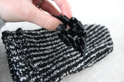 DIY Beanie And Mittens Without Knitting