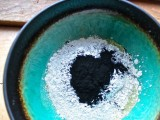 diy-bentonite-purifying-and-soothing-face-mask-1