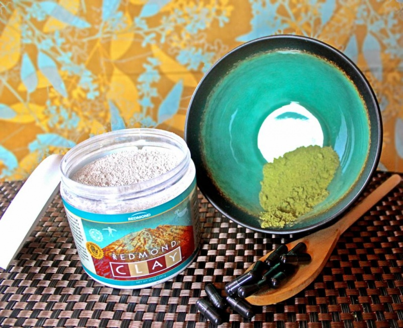 Picture Of diy bentonite purifying and soothing face mask  2
