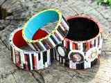 diy-bold-recycled-magazine-bracelets-3