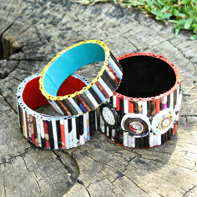 Picture Of diy bold recycled magazine bracelets  3