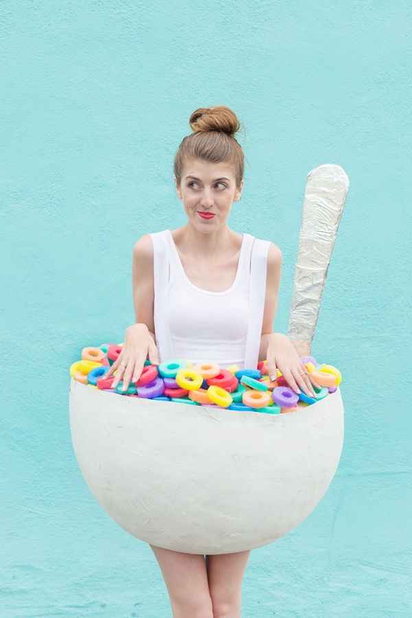 Picture Of diy cereal bowl costume for halloween  3
