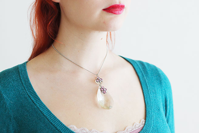Picture Of diy chandelier necklace with a vintage touch  4