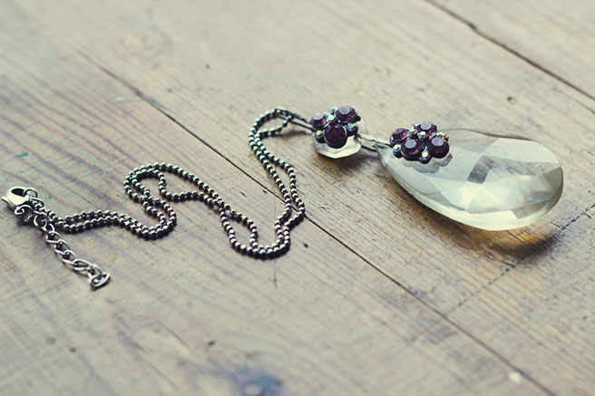 Picture Of diy chandelier necklace with a vintage touch  5