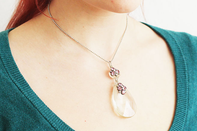 Picture Of diy chandelier necklace with a vintage touch  6