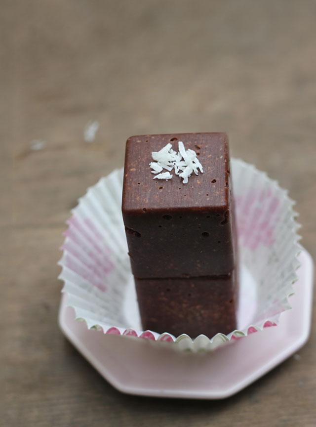 almond chocolate scrub cubes