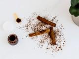 diy-cinnamon-sugar-lip-exfoliating-scrub-1