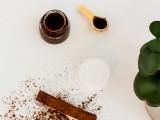 diy-cinnamon-sugar-lip-exfoliating-scrub-2