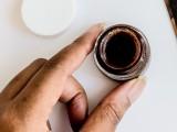 diy-cinnamon-sugar-lip-exfoliating-scrub-3