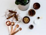 diy-cinnamon-sugar-lip-exfoliating-scrub-4