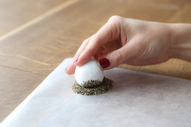 Picture Of diy clay ring cones with herbs  4