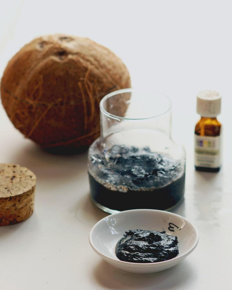 Picture Of diy coconut orange coffee scrub  2