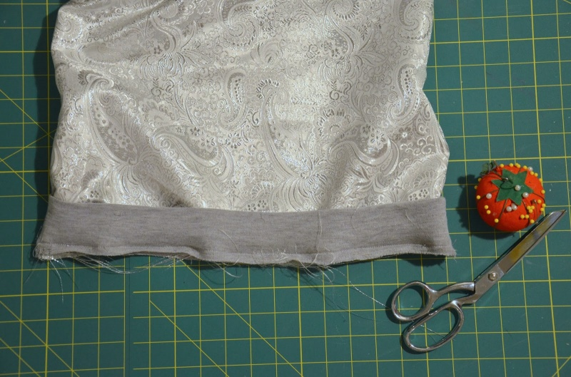 Picture Of diy contrasting raglan sweatshirt refashion  6