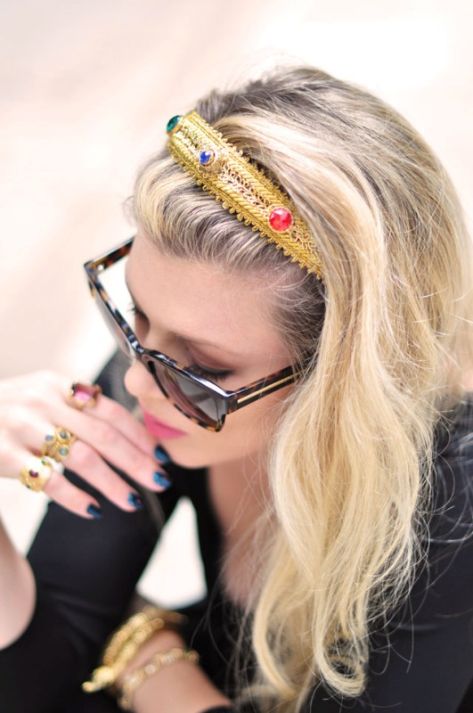 Picture Of diy dolce gabbana inspired bejeweled gold headband  2