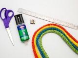 diy-easy-colorful-raffia-bracelet-2