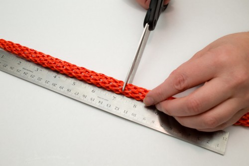 DIY Easy Colorful Raffia Bracelet