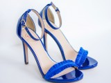 diy-electric-blue-feather-strap-heels-1
