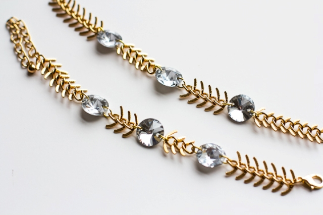 Picture Of diy fishbone chain crystal bracelet  4