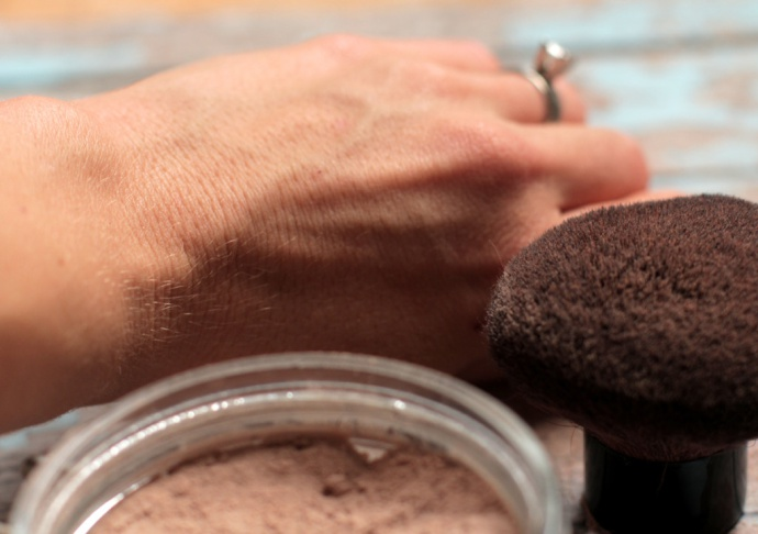 Picture Of diy foundation powder for sensitive skin  3