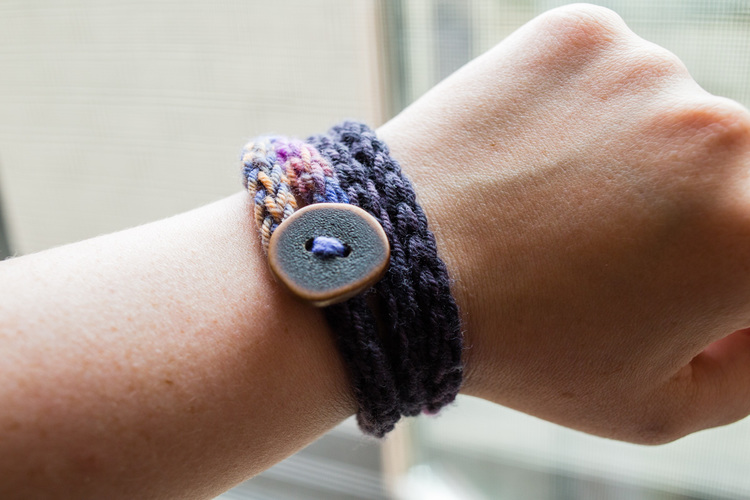 Picture Of diy french knit bracelet with a button  8