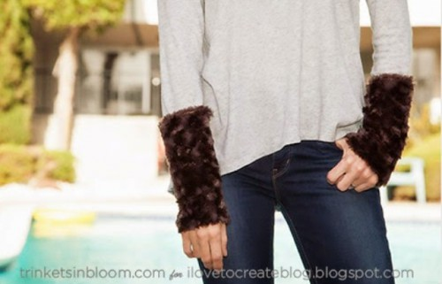 DIY Furry Cuffed T Shirt For Fall And Winter