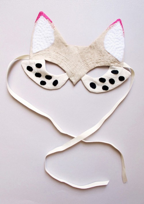 Handmade Felt Fox Mask (via lovelyclustersblog)