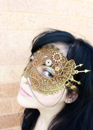 DIY Steampunk Lace Mask (via urbanthreads)