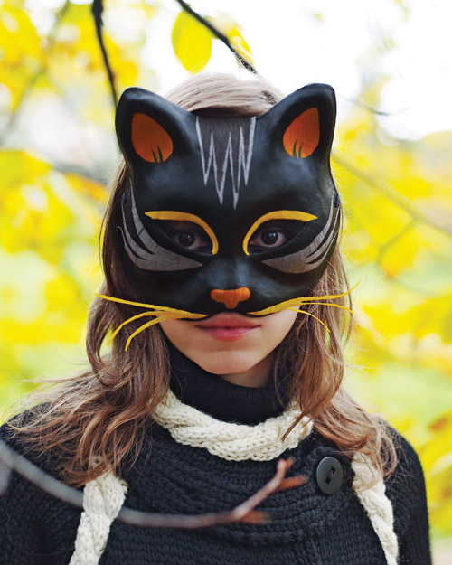 Black Cat Mask (via marthastewart)