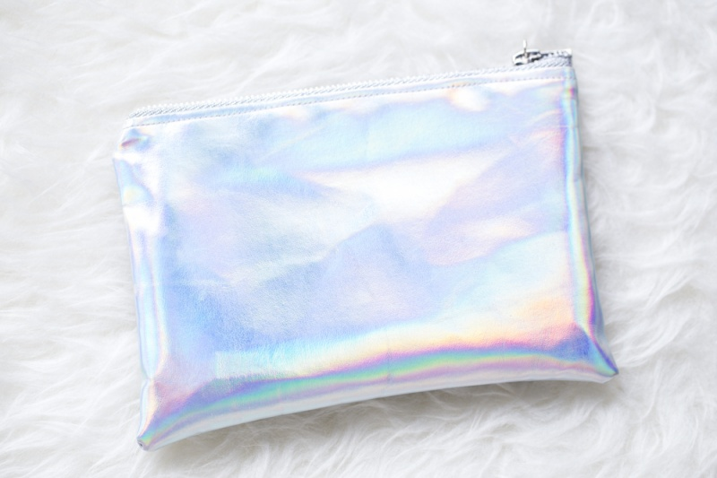 Picture Of diy holographic clutch to travel with style  1