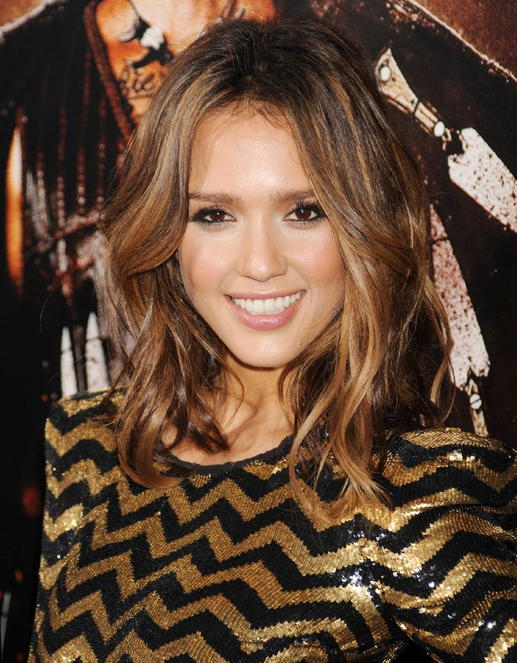 Picture Of Diy Jessica Albas Long Wavy Bob 2